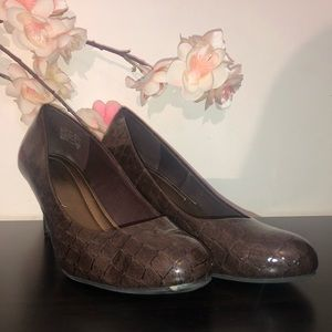 Comfort Plus by Predictions Brown Rounded Heels